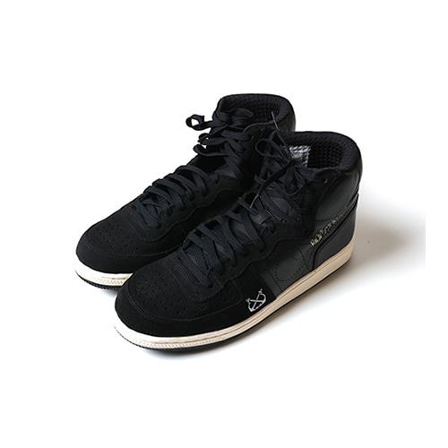 NIKE x STUSSY x NEIGHBORHOOD